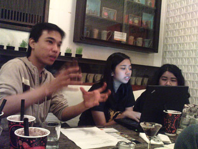 JP dela Torre, Sarah Cada and Shari Cruz over coffee